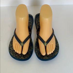 Authentic Tory Burch signature flip flop sandals 9